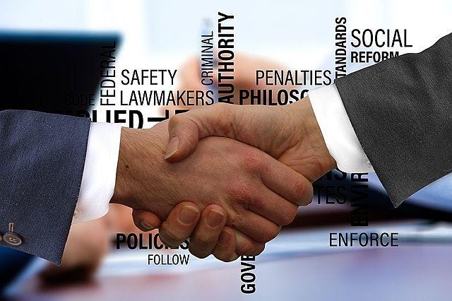 初めての物件売却に役立つ豆知識②-1 ~依頼する業者が決まったら媒介契約を結ぶ~