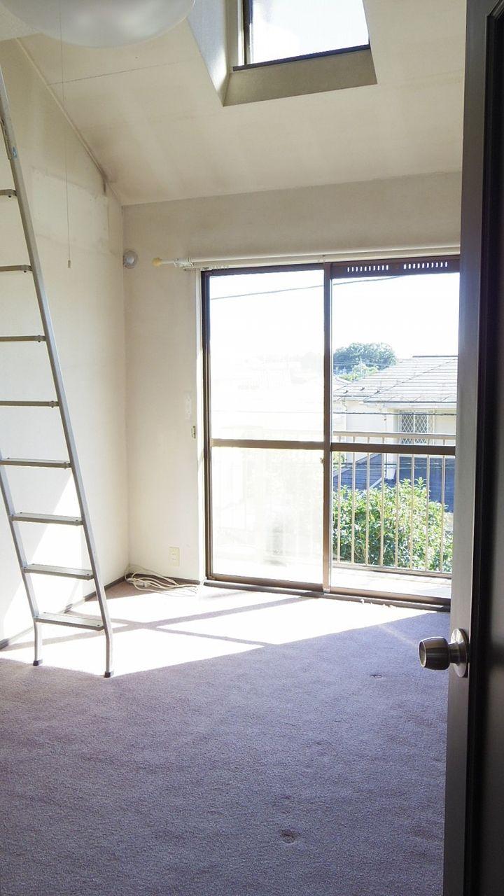 流山市加4丁目戸建て2階洋室①です。