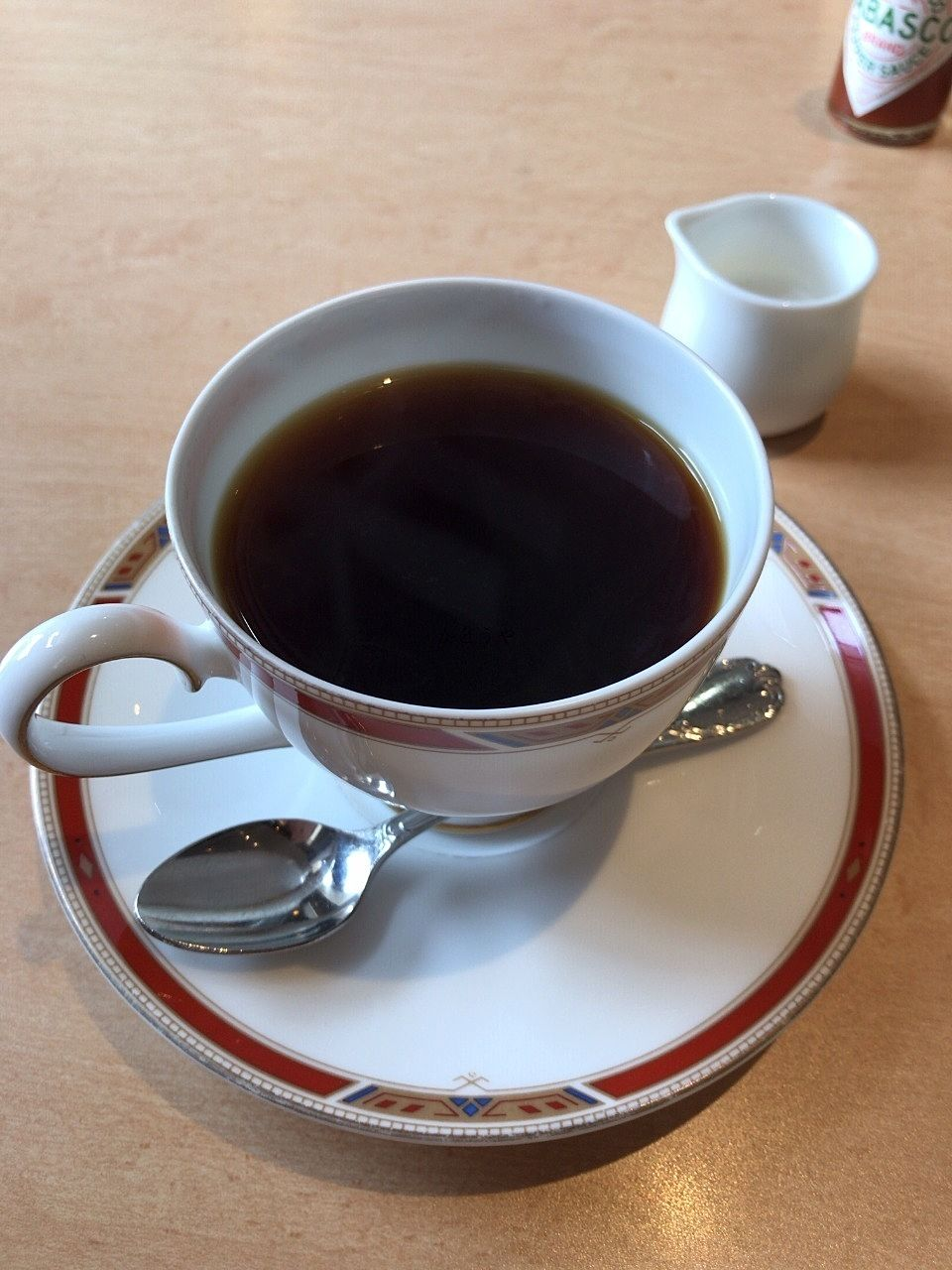 カフェ・ラナイさんのオリジナルブレンドは、ミルクを入れなくても入れても良いお味です。