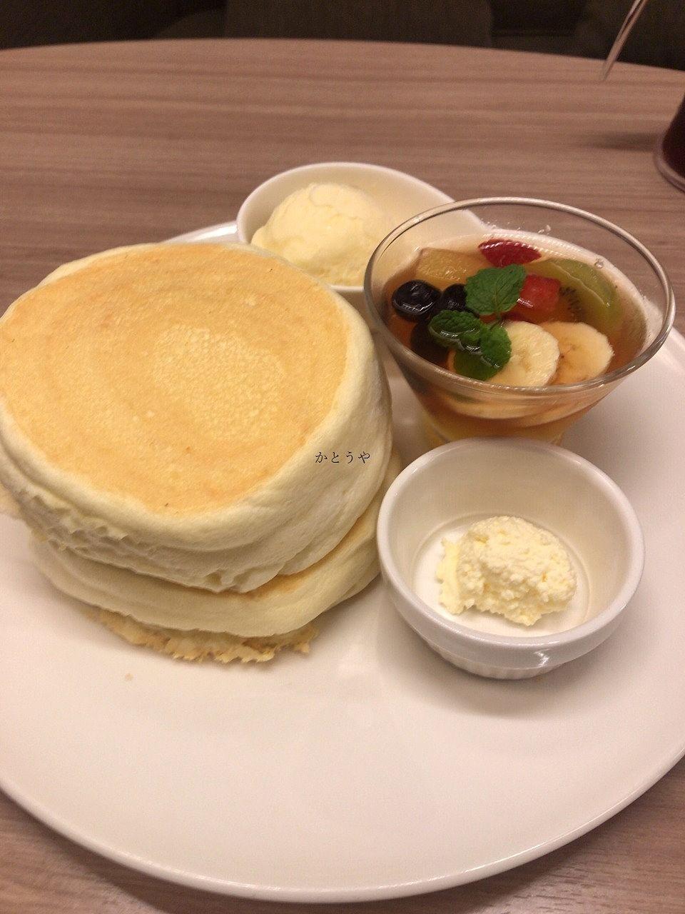 松戸市八ヶ崎のさんぽカフェ、プレーンパンケーキです