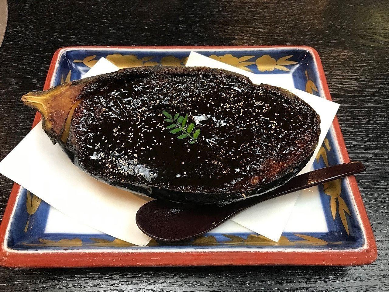 しゃぶ源さんの米茄子田楽はあつあつ、とろりとした触感で一度食べたら止まりません。