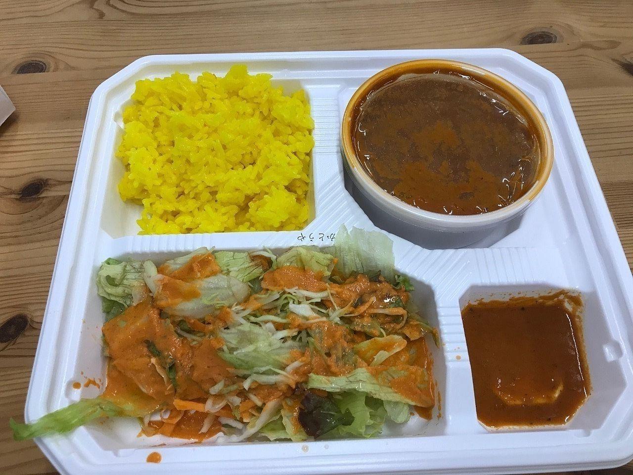 南流山のインド料理、スパイスキッチンさんのランチテイクアウト弁当です。